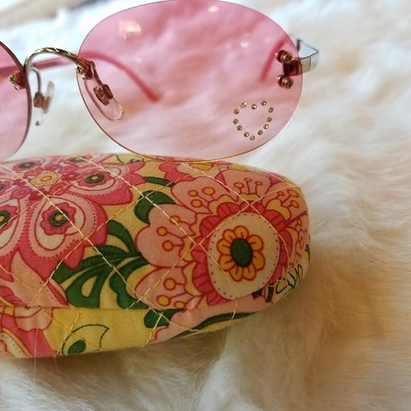 c4c2208e95e Accessories - Pink Rhinestone Heart Sunglasses
